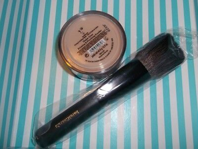 bareMinerals®  Under Over Priming & Finishing Powder + Pinsel