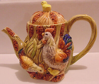 Hen and Rooster Teapot Ceramic / Porcelain w Chicken Cover Knob Smooth Finish