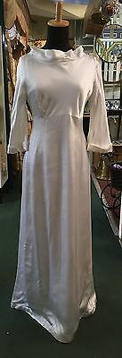 Vintage 1960s Wedding Dress Size 8-10 Vogue Couture Hand Made