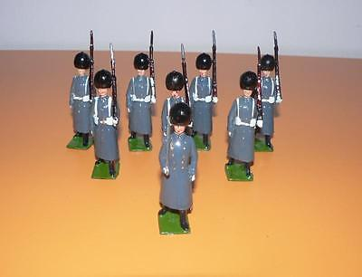 TOY SOLDIERS LEAD VINTAGE Britains set 312 British Grenadier Guards GREAT COATS
