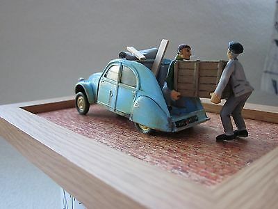 4  Figurines  1/43  Set 22   ' Le  Demenagement '   Vroom  A  Peindre  No  Norev