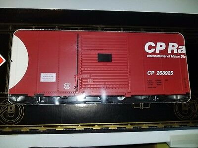 Aristocraft G scale Canadian Pacific Steel Boxcar & steel wheels Road # 268925