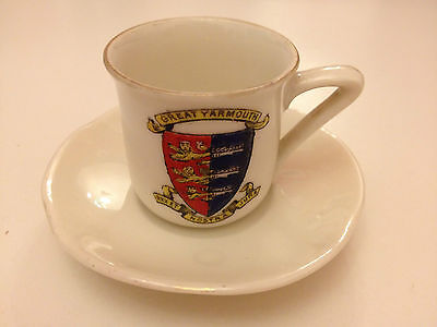 VGC Crested Gt. Yarmouth Mini Cup & Saucer, Gemma Czech o-Slovakia Stamped