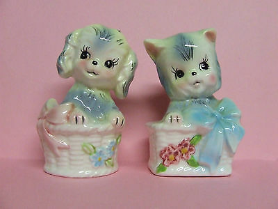 Vintage Lefton Puppy Dog & Kitty Cat in Baskets w/Flowers & Bows Salt & Pepper