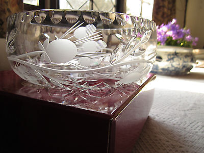 STUNNING **VINTAGE CRYSTAL BOWL** with BEAUTIFUL DECORATION  PERFECT GIFT!