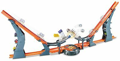 Hot Wheels Versus Car & Track Playset