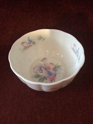Aynsley Little Sweetheart Bone China Bowl( Made In England)