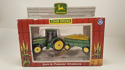 1998 John Deere Salt & Pepper Shakers Tractor Wagon Ceramic Enesco 480320