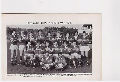 Team Pic from 1972-73 FOOTBALL Annual - LEEDS + ST HELENS - Rugby League