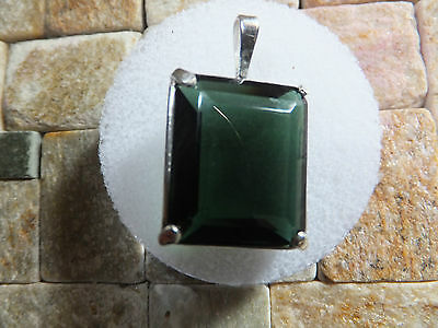 QUARTZ NATURAL MINED STONE IN SILVER PENDANT MOUNT STONE WEIGHT 24.70ct