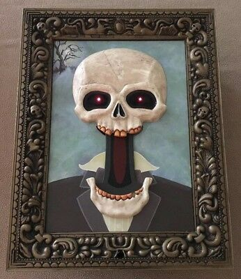 1998 Paper Magic Group Animated Skeleton Frame Mouth Moves Lit Sound 10x12 Prop