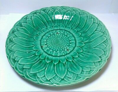 Beautiful Antique Victorian Green Sunflower Majolica Plate