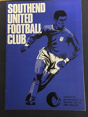 09/11/1968 Southend United v Doncaster Rovers ( Champions )