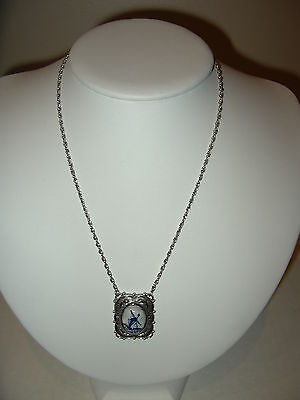 Vintage Signed Sarah (Coventry) Silvertone Delft Blue & White Windmill Necklace