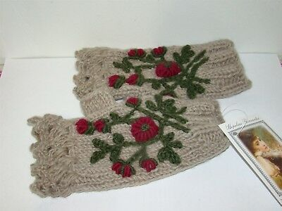 Victorian Trading Co Heather Plum Hand Made Wool Fingerless Gloves
