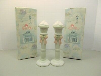 PRECIOUS MOMENTS - SUGAR TOWN / Lamp Post ( set of 2 ) 529559