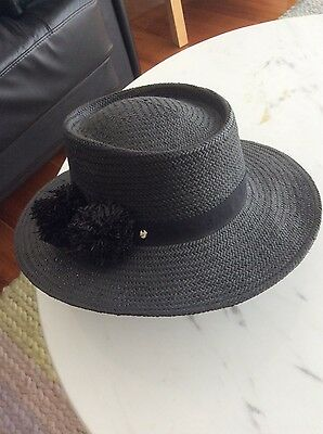 FRENCH CONNECTION - Women's Black Hat - Excellent Condition