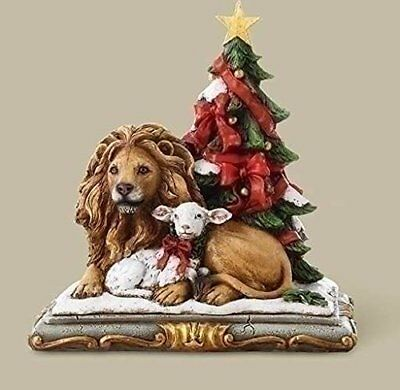 Joseph Studio Lion and Lamb with Christmas Tree Figurine
