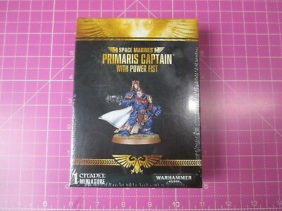 Warhammer 40,000 Limited Edition Space Marine Primaris Captain With Power Fist