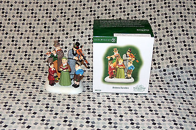 Department 56 Dickens Carolers Accessory  807230 Christmas Village Accesory