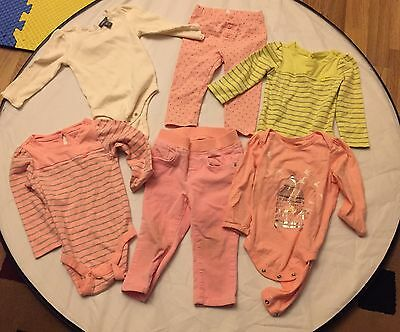 baby Gap Girl outfits 3 Bodysuits 12-18m, 1 Bodysuit 18-24m, 2 Pants 12-18m