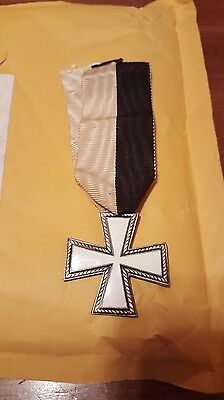 WW2 ITALIAN (SNOW CROSS) FOR Military Service in RUSSIA &  2nd smaller Red Cross