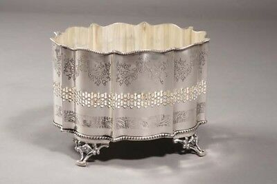 Silver-Plated English Jardiniere in the Style D.18. Century