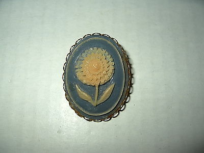Vintage Goldtone Gray Blue & Cream Celluloid Plastic SunFlower Cameo Brooch Pin