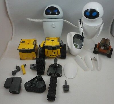 Thinkway Toys Disney Pixar Wall-E & Eve Construct-A-Bot Magnetic Robot Figures