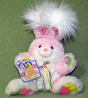 TICKLE TICKLE WIGGLE WIGGLE Pink Bunny Giggles Lights Up Shakes Dan Dee with TAG