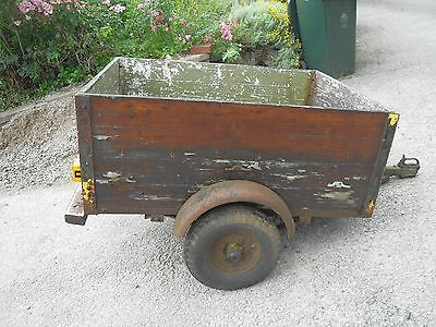 small Trailer - unbraked steel frame and ply body with suspension