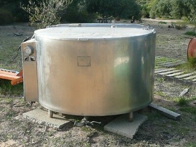 1350 litre Stainless Steel Dairy Tank (1)