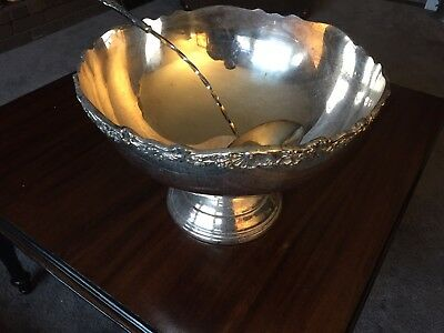 Towle Silver Plated Punch Bowl With Ladel