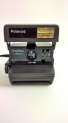Vintage Polaroid Onestep Close-Up 600 Camera with Auto-Flash Strap Tested Workin