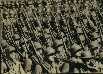 1939 Press Photo French troops ready to march off to war - sba14724