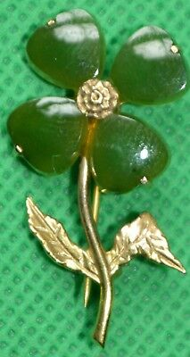 Pretty 10ct gold and moss agate clover leaf brooch