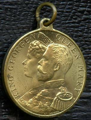 1911 King George V & Queen Mary Coronation Pendant 32 mm Dia. 18.2 Grams