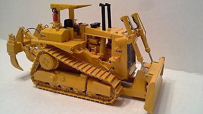 CCM Caterpillar D10  Dozer  with OROPS , PUSH BLADE , RIPPER.  1:48 scale