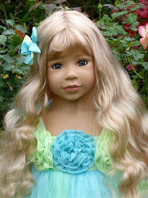 """Masterpiece Princess & Pea, Blonde Wig Fits Up To 20 """" Head"""