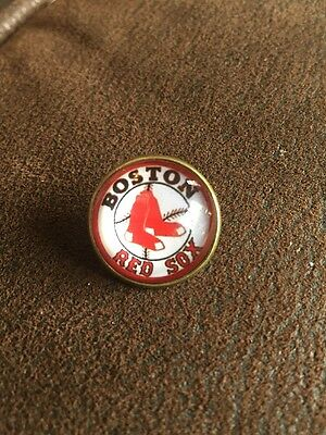 BOSTON RED SOX Baseball MLB Unique Top Quality Pin Badge Glass Fronted Design
