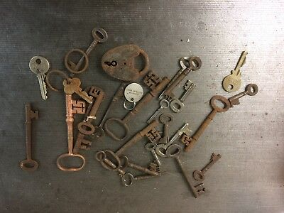 LOT of Old Keys vintage for locks bow key heart padlock iron fancy collectable