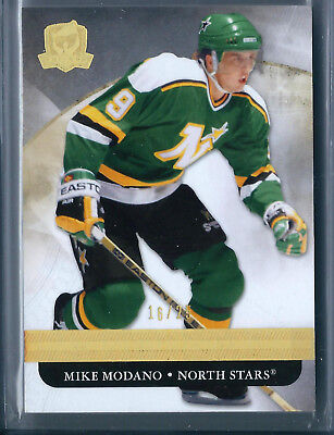 2011-12 The Cup Regular Cards – Gold Spectrum #45 Mike Modano 16/25