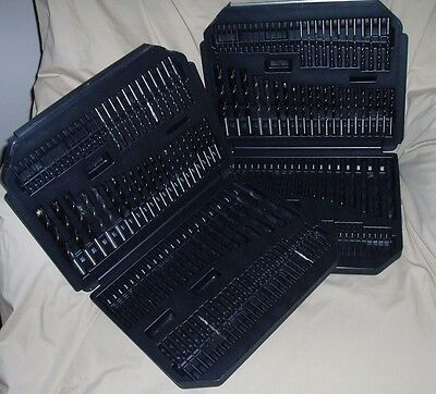 208 Drill bits in carrying cases, various sizes and types