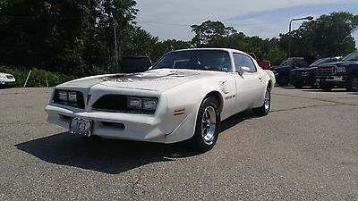 1978 Pontiac Trans Am  1978 PONTIAC TRANS AM * 6.6L * AUTOMATIC * RARE WHITE ON RED * ADULT OWNED