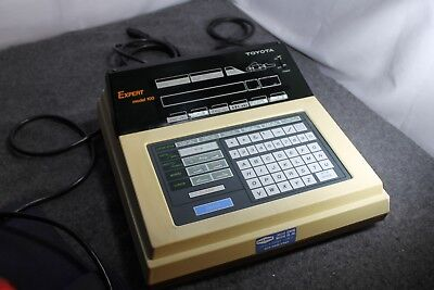 Vintage Toyota Expert Model 100 Sewing Machine Embroibery keyboard
