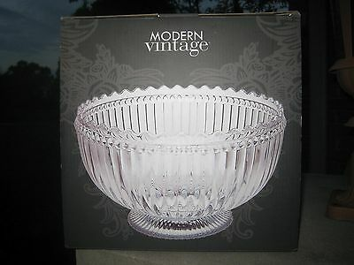 Excellent Wedding Gift Clear Crystal Serving Bowl W/box  Nwt $80 Macy's