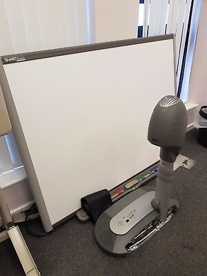 SMART Board 660 and Projector Unifi 35