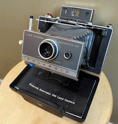 Vintage FOLDING POLAROID First Original Automatic 100 Land CAMERA~Built In CASE