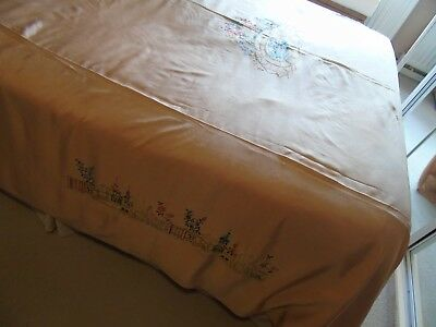 Vintage/Antique Hand Embroidered Bed Cover,Pretty Garden Borders,Lily Pond