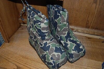 LOT Icebreaker Insulated Boot Blankets - Medium 8-10 and Bata Camo Boots Size 8